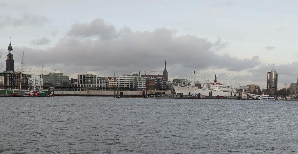 Blick auf Hamburg von den Musicaltheatern aus
