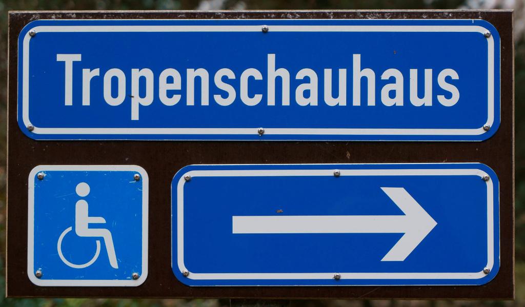 Barrierefreier Zugang in die Tropengewächshäuser der Universität Hamburg