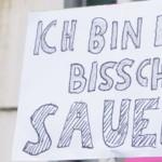 g20-Protestschild nach den Krawallen