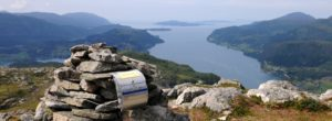 Ausblick auf den Fjord von Norwegens Bergen aus